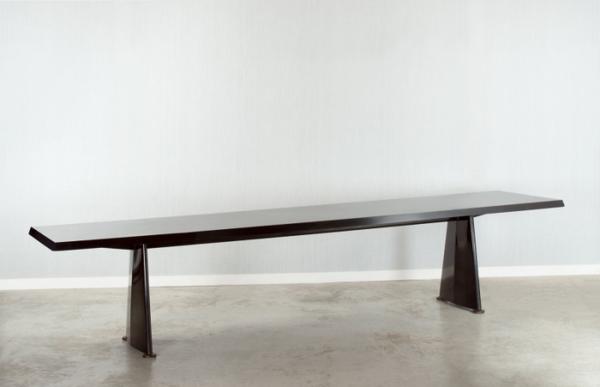 Jean PROUVE     :  Table centrale ou table trapèze