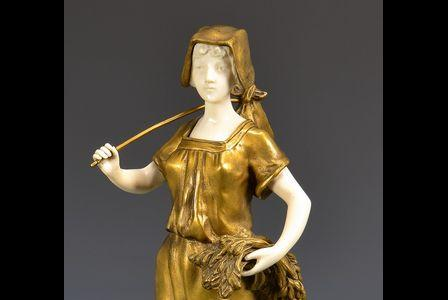 Théophile François SOMME       :  Figurine of a young lady holding a sheaf of wheat