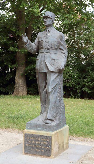 Claude GOUTE       :  Le Général Ch. de Gaulle